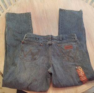 Men's 36x34 Wrangler Retro relaxed bootcut jeans